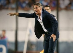 El entrenador de Racing cambió el look para el clásico ante Independiente.