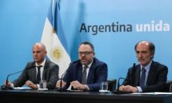 El ministro Kulfas, junto a Eduardo Hecker (a la derecha de la imagen), y el secretario Guillermo Merediz