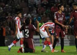 Robert Rojas, otra vez figura en River. Solidez en el fondo y coronó la noche con un gol clave para sumar de a tres contra Unión.