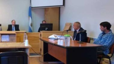 Debate. El juicio oral y público comenzó  el lunes con controversias entre la defensa  y la Fiscalía.