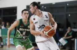 El equipo de Comodoro Rivadavia superó 81 - 68 a los cordobeses para seguir establecido arriba en la tabla. (Foto: Prensa Atenas).