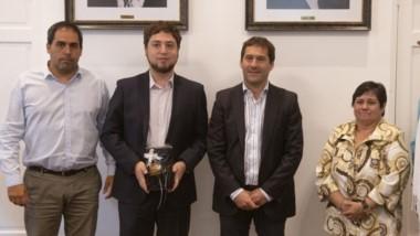 Luque recibió en su despacho al cónsul de Chile en Comodoro, Daniel Alejandro Robinovich Hauyón.