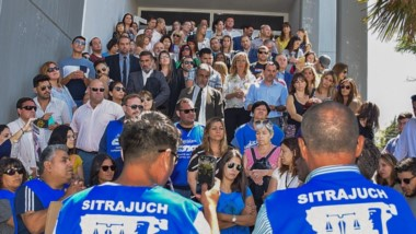 Caras conocidas. El SITRAJUCh logró que los afiliados a la Asociación de Magistrados y Funcionarios se sumen a una manifestación histórica.