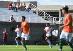 Con goles de Rollheiser, Fernandez y Girotti, la reserva le ganó 3-2 a Banfield, bajo la atenta mirada de Marcelo Gallardo.