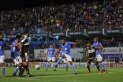 Estudiantes ganaba 3-0, Platense descontó dos veces pero no le alcanzó.