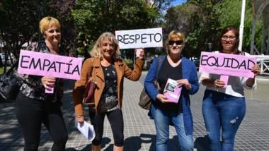 Vanessa Hughes, Norma Weber y Araceli Montesino en campaña.