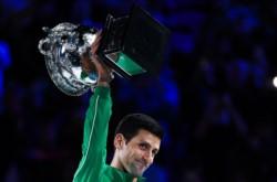 Como Rafa o Borg en París, o como Sampras en Wimbledon, Novak Djokovic cuenta por victorias sus finales del Australian Open.