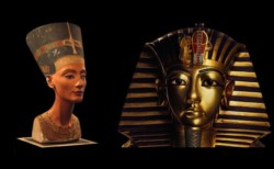 Nefertiti (a la izquierda) se puede apreciar en el British Museum. No solo se robaron las Malvinas...