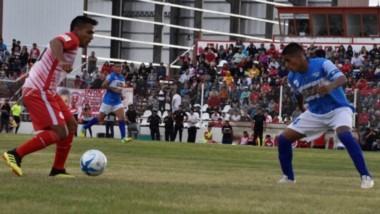 Jorge Newbery conquistó un valioso triunfo en condición de visitante por 2-0 ante Huracán.
