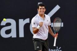 El chileno llegó a los 50 triunfos entre ATP y Copa Davis y se acercó más al top 20.