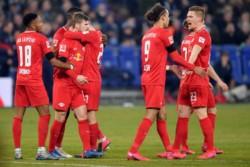 Con goles de Sabitzer, Werner, Halstenberg, Angelino y Forsberg, los Toros Rojos golearon 5-0 al Schalke 04 y se mantienen en la segunda posición.