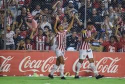 San Martín de Tucumán le ganó a Sarmiento 2-0 y agranda la diferencia en la tabla.