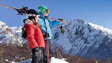 Nieve asegurada. El cerro Perito Moreno apunta a sumar esquiadores de países vecinos.