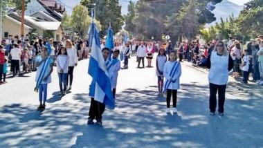 """Desfile. Por """"razones de agenda"""" el gobernador Mariano Arcioni no pudo participar de los festejos por un nuevo cumpleaños de Esquel."""