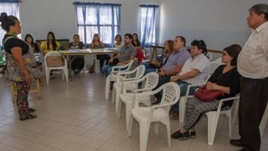 El proyecto municipal incluye la promoción de salas de lecturas barriales en la capital provincial.