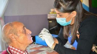 Los abuelos residentes en los clubes de la ciudad recibirán chequeos odontológicos gratuitos.