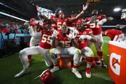 Kansas City vuelve a celebrar una Super Bowl 50 años después.