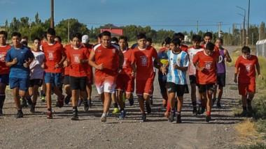 Un número considerable de niños y adolescentes participaron del primer entrenamiento del año.