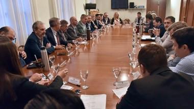 Durante la reunión de gabinete se planteó las alternativas para el reperfilamiento de la deuda provincial.