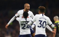Con goles de Son Heung-Min, Lucas Moura y un autogol, Tottenham Hotspur superó 3-2 al Southampton.