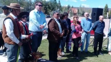 Autoridades provinciales participaron de la tradcional fiesta que finalizará hoy en la localidad de Telsen.