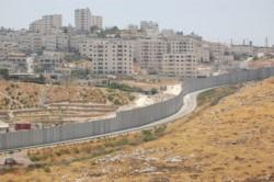Una panorámica de Cisjordania con el otro Muro Lamentable...