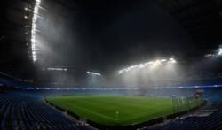 La seguridad del cuadro inglés ha tomado la decisión de suspender el encuentro como consecuencia del fuerte temporal en Manchester.