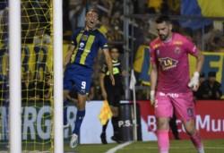 Marco Ruben anotó por primera vez desde su regreso a Rosario Central. Y por duplicado...