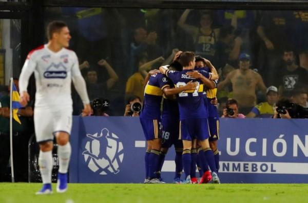 Boca ganó, gustó y goleó 3-0 a Independiente Medellín con goles de Salvio -2- y un golazo de Reynoso.