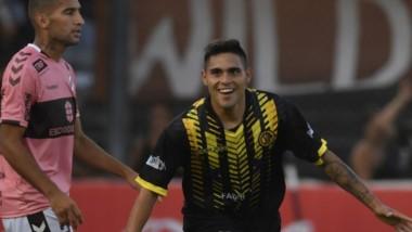 """El delantero del """"Aurinegro"""", Alejo Distaulo, manifestó su alegría tras haberle dado la clasificación histórica a su equipo por la Copa Argentina."""