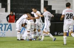 Con goles de Leal y Nani uno en contra y otro a favor, Newell's venció 2-1 a Central Córdoba en el arranque de la Copa Superliga.