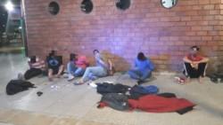 La Policía de la Ciudad de Buenos Aires detuvo en la madrugada a siete hombres, uno de ellos armado, en el barrio de Belgrano.