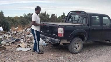 Tiraba basura en un lugar prohído en plena cuarentena. El municipio lo echó.