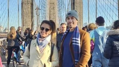 Marcela y Andrés Castelo, en el famoso puente de Brooklyn.