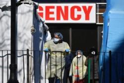 El coronavirus ha provocado hasta este sábado por la noche 2.010 muertes en Estados Unidos, el doble que hace dos días.