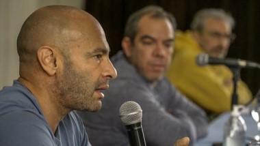 En conferencia de prensa, el ministro Massoni hizo críticas por la cuarentena de los repatriados.