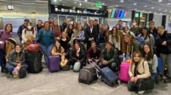 La Cancillería Argentina coordinó el regreso de 121 médicos que se encontraban en distintas ciudades de Europa.