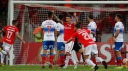 Inter arrolla a Universidad Católica. El peruano Guerrero anotó un doblete.