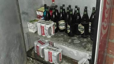 Las bebidas, según los organismos estatales, era conservada para su venta sin la autorización comunal.
