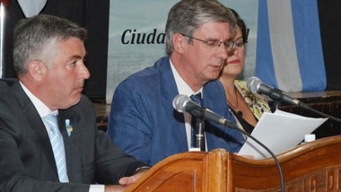 Dúo. Wengier (izquierda) presidente del HCD, junto con el intendente.