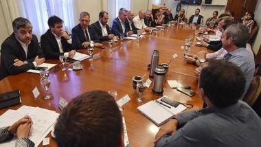Reformas. El gobernador Mariano Arcioni encabezó la reunión de gabinete para tratar temas clave para los próximos días de la gestión.