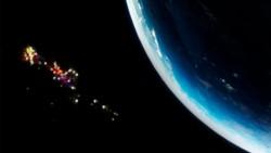 La Estación Espacial Internacional (IEE) que orbita la Tierra, grabó una increíble formación de naves no reconocidas.