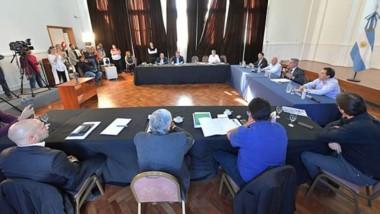 Reunión cumbre. Se definieron parámetros generales para la cuarentena administrada y ahora suscribirán un acuerdo para elevar a Nación.