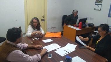 Los concejales de la oposición se reunieron ayer durante varias horas.