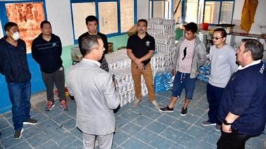 Un grupo de supermercadistas chinos donó alimentos al municipio para colaborar con las viandas diarias.