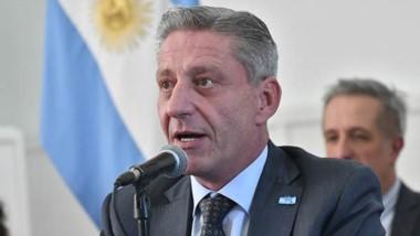 """El gobernador aseguró que la situación de la provincia es """"muy delicada"""" a raíz de una fuerte caída en los ingresos de la recaudación."""