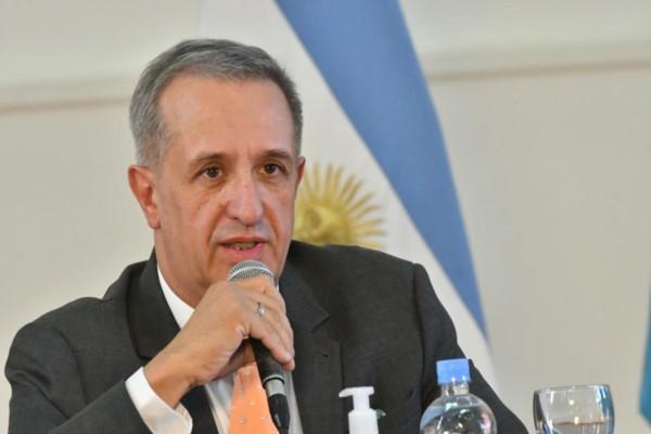 Ministro de Economía del Chubut, Oscar Antonena. Foto: Daniel Feldman / para Jornada.