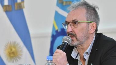 """""""Las restricciones van a seguir siendo fuertes"""" adelantó el ministro Fabián Puratich."""