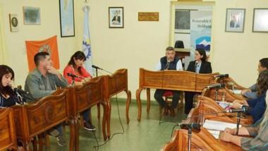 Los concejales aprobaron el programa en la tercera sesión especial.