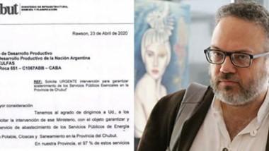 Pedido. La nota del Gobierno chubutense dirigida al ministro Kulfas (derecha), pidiendo que la mayorista de energía suspenda los embargos.
